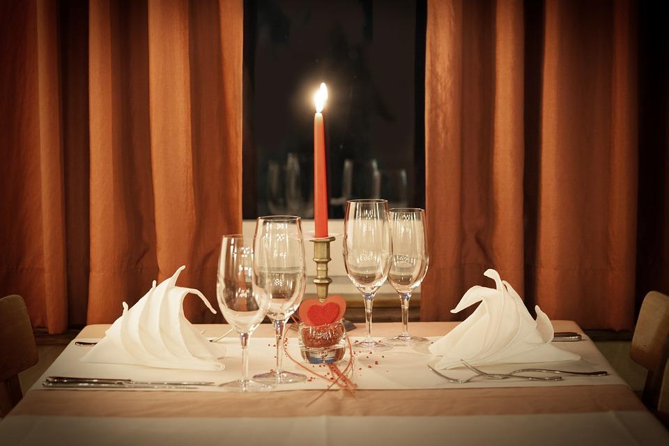 table-decoration-1449232_960_720.jpg